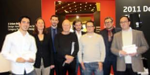 de la stanga la dreapta: Mario Fuentes (castigator categoria Student), Clivia Bauer, Martin Allen-Smith, Bruno Fattorini, Jules Mesny-Deschamps, John Nordon, Jonathan J. Clarke si Daniel Abendroth (castigator categoria Profesional).   Castigatorii Concursului de Design HI-MACS®, editia 2011, organizat de LG Hausys Europa, au fost anuntati in cadrul expozitiei 100% Design ce a avut loc la Londra. Cei 8 finalisti din cele 2[…] Mai mult…