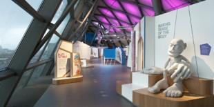 Dezvoltat cu ARKA Design Studio pentru etajul superior al centrului de stiinta, Glasgow Science Centre este un concept de expozitie experimentala si inteactiva, menit sa uimeasca si sa incurajeze cercetarea intr-o abordare ludica pentru a transmite cunostinte tuturor, indiferent de varsta. Materialul care a fost ales pentru intreaga expozitie este HI-MACS®. Scopul expozitiei este de a incuraja descoperirea si intelegerea stiintei[…] Mai mult…