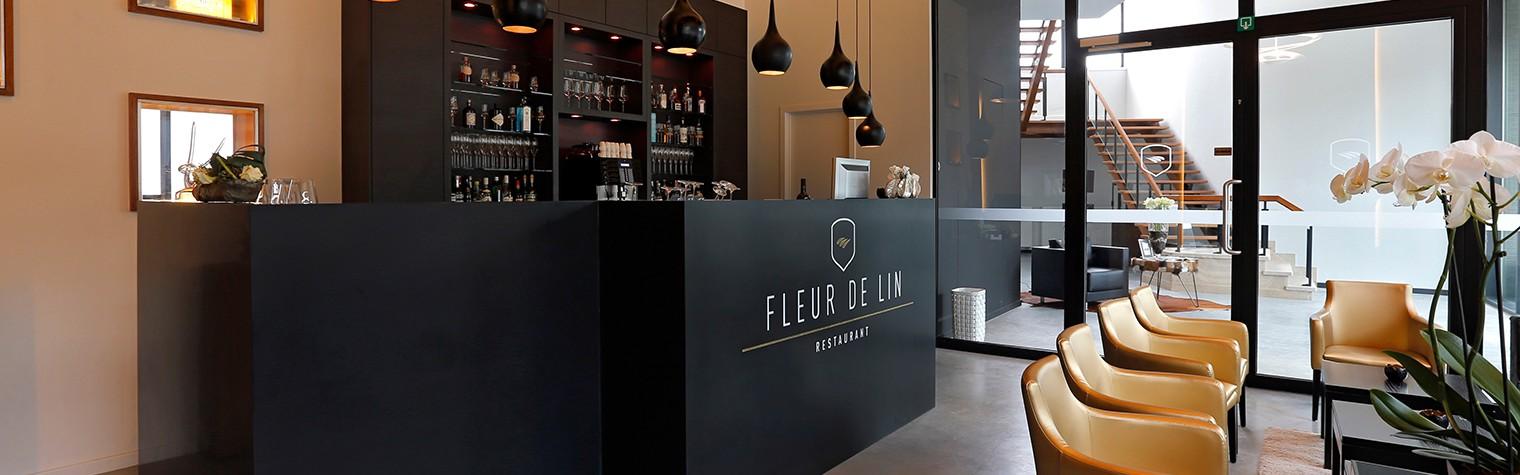 Localizat strategic, aproape de centrul orasului, in incinta vechii mori Van der Eecken, restaurantul Fleur de Lin din Belgia atrage priviririle tuturor trecatorilor.  Chef Lode De Roover si Barbara Dhondt au decis sa colaboreze pentru a deschide acest restaurant elegant cu aer nostalgic. Proprietarii au apelat la biroul de design Kletz si fabricatorii de HI-MACS® SAAM pentru a realiza acest proiect.[…] Mai mult…