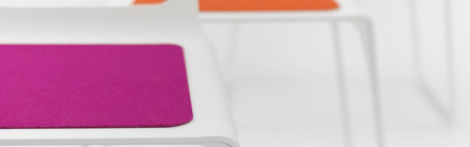 Conceputa de catre Marco Hemmerling, CHROMA reprezinta armonia dintre design si confort. Eleganta formelor curbe si simetria dintre decupajele spatarului si ale picioarelor transforma acest scaun original intr-un obiect sofisticat. Pentru crearea acestui scaun HI-MACS® a fost materialul ideal datorita procesului de prelucrare prin termoformare, a imbinarilor invizibile si nu in ultimul rand a rezistentei crescute.  Culorile puternice ale sezutului contrasteaza[…] Mai mult…