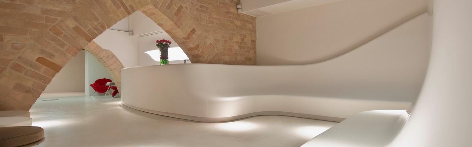 """Augeo Art Space – un concept unic, dezvoltat de arhitectul și designerul Yasmine Mahmoudieh, care reușește să combine rafinamentul artei contemporane și lumea wellnessului pentru a primi vizitatori din intreaga lume în cadrul evenimentelor exclusiviste.  """"Augeo"""" este un termen de origine latină ce înseamna """"a crește / a consolida"""". Pornind de la această semnificație, a luat naștere Augeo Art Space –[…] Mai mult…"""