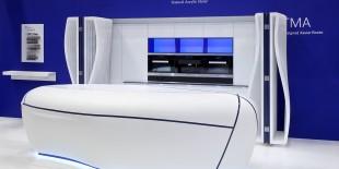 """LG Hausys HI-MACS® s-a intors la 100% Design 2014 cu un concept inovativ si futuristic de bucatarie.  Insula de bucatarie """"The sky is the limit"""" este o adevarata opera de arta creata de designerul belgian Xavier Bonte. Conceptul acestei bucatarii este inspirat de imaginea unui nor. Atunci cand toate usile sunt inchise orice trasatura tehnica a mobilierului dispare, iar liniile albastre[…] Mai mult…"""