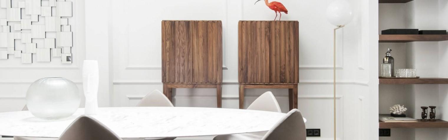 Folosindu-se HI-MACS pentru a reabilita baia și bucătăria s-a realizat un echilibru între jocul liniilor și luxurioasele materiale ce predomină în reproiectarea unei reședințe superbe.  La remodelarea vechii clădiri arhitectul Sandervan Eric, șeful de proiectare al Studio Cocoon Living, a fost pus în fața a două provocări: să pună în lumină experientele și amintirile unei familii pasionate de călătorii și să[…] Mai mult…